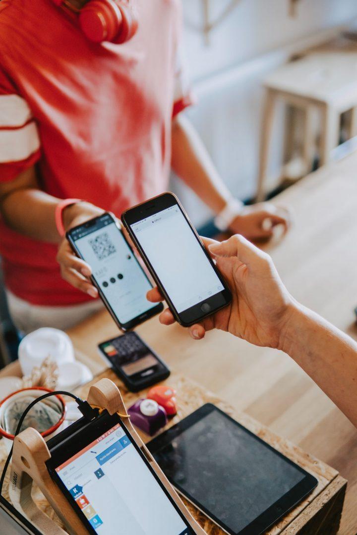 Touchscreens buyers shopping